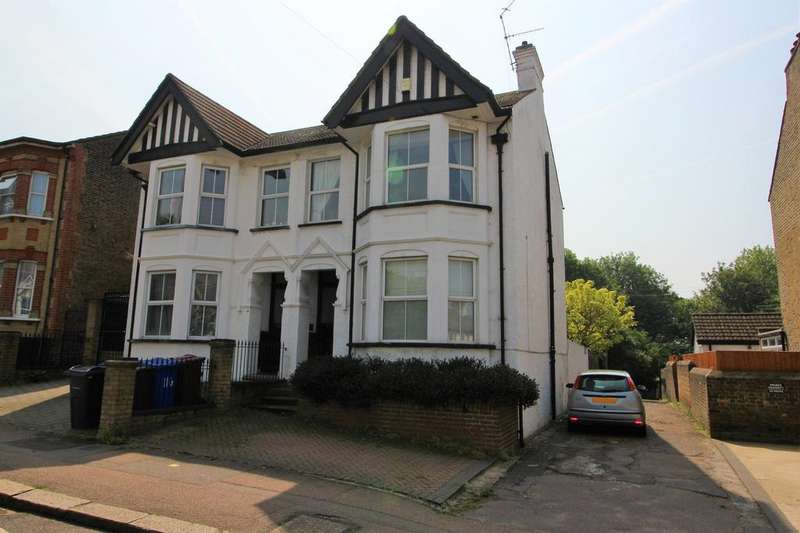 3 Bedrooms Semi Detached House for sale in Grays