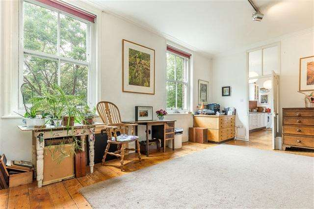 4 Bedrooms Flat for sale in Bishop Kings Road , Kensington