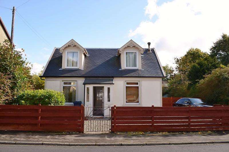 3 Bedrooms Cottage House for sale in 32 Edward Street, Dunoon, Argyll and Bute, PA237JG