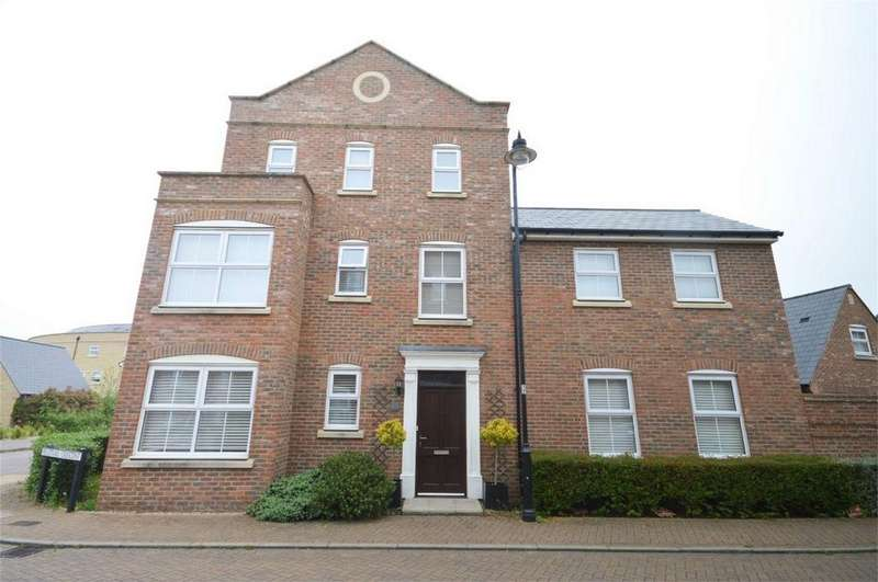 5 Bedrooms Detached House for sale in 95 Felstead Crescent, Forest Hall Park, Stansted