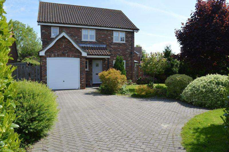 4 Bedrooms Detached House for sale in Stow Road, Sturton By Stow