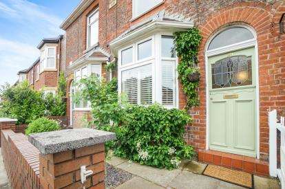 2 Bedrooms Terraced House for sale in Borough Road, Altrincham, Greater Manchester, .