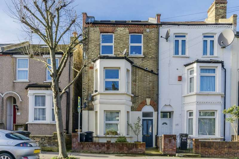2 Bedrooms Flat for sale in Queen Mary Road, Crystal Palace, SE19