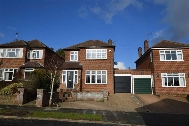 4 Bedrooms Link Detached House for sale in Lewes Way, Croxley Green, Rickmansworth Hertfordshire, WD3