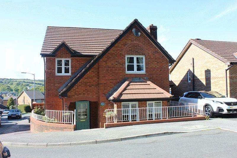 4 Bedrooms Detached House for sale in Manor View, Par