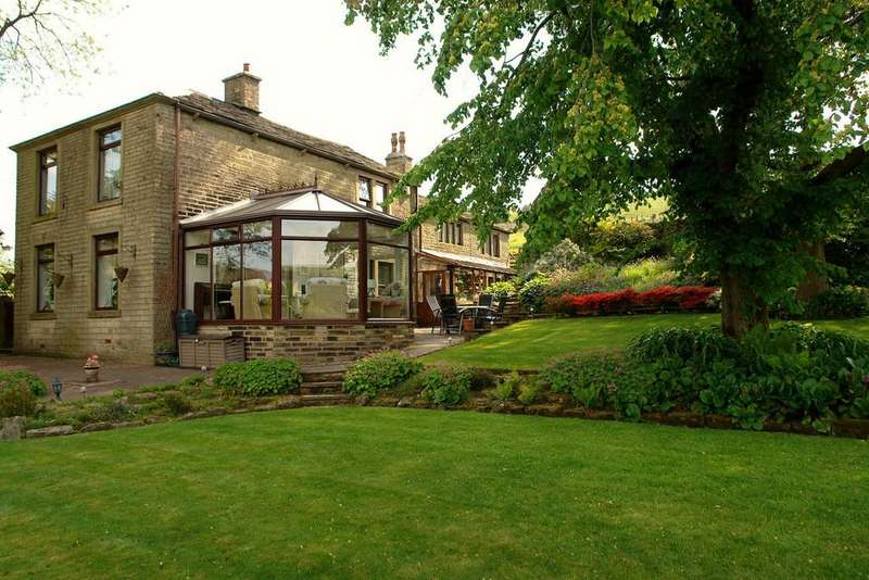 5 Bedrooms Detached House for sale in Quick Edge Lane, Grotton, Saddleworth