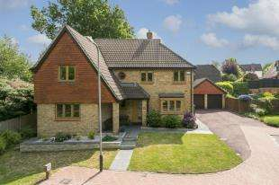 5 Bedrooms Detached House for sale in Bickmore Way, Tonbridge