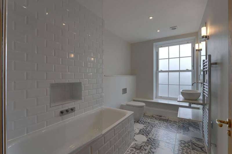 2 Bedrooms Apartment Flat for sale in Mardle, Luscombe House