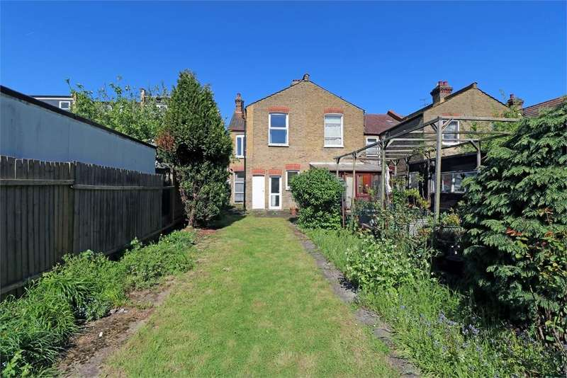 3 Bedrooms Semi Detached House for sale in Park Road, Colliers Wood, London