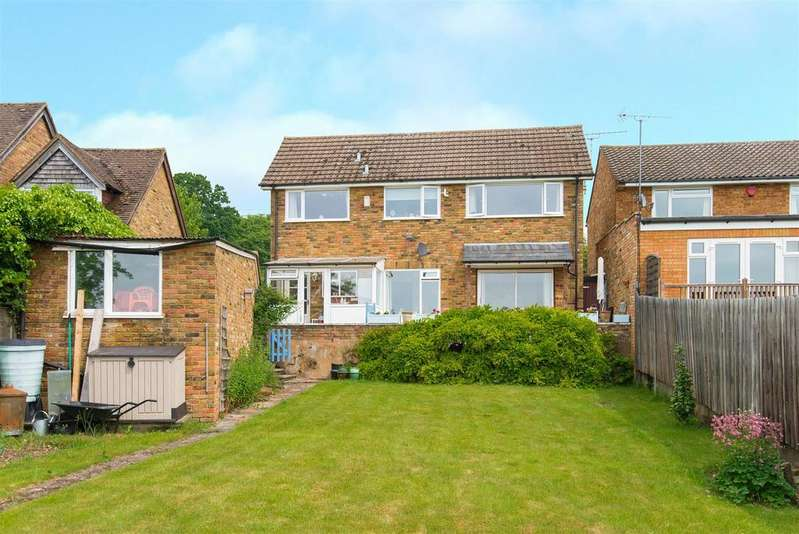 3 Bedrooms Detached House for sale in Heath End Road, Flackwell Heath