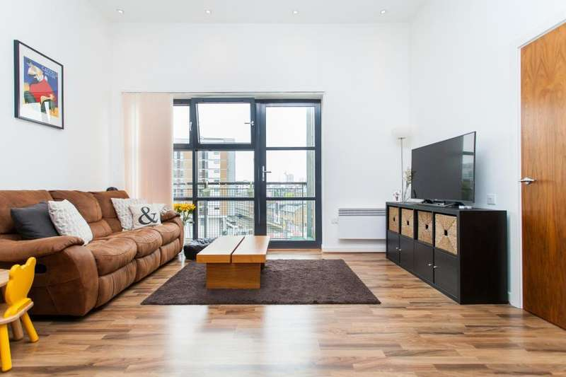 2 Bedrooms Apartment Flat for sale in Carmine Wharf, London, E14