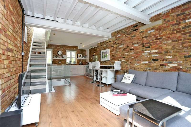 3 Bedrooms Mews House for sale in Marlborough Yard, Archway, N19