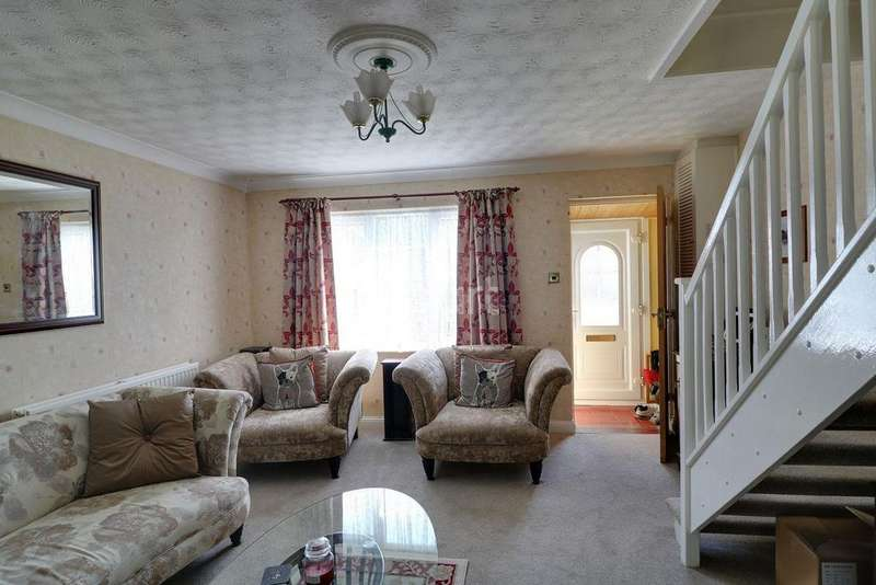 3 Bedrooms Semi Detached House for sale in Bridgeman Drive, Houghton Regis