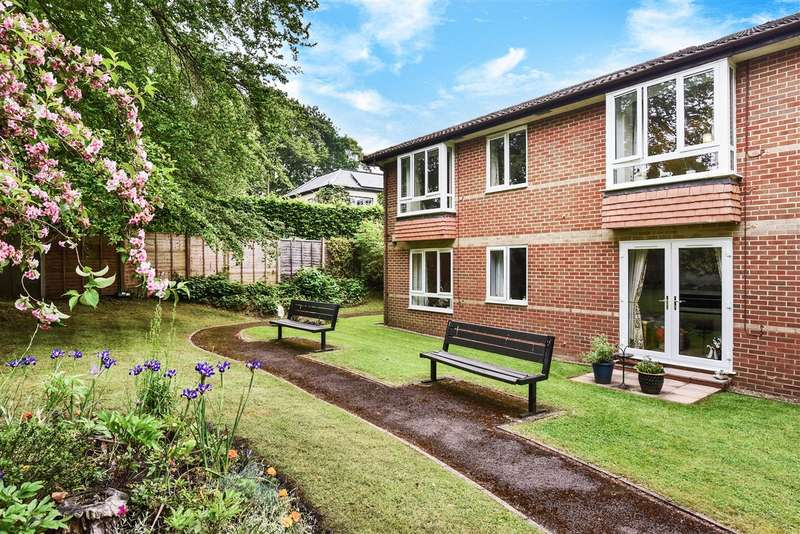 1 Bedroom Apartment Flat for sale in Oak Lodge, New Road, Crowthorne