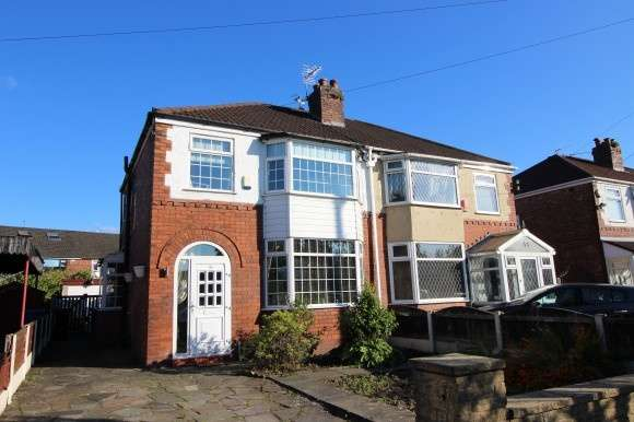 3 Bedrooms Semi Detached House for sale in Carnforth Road, Stockport