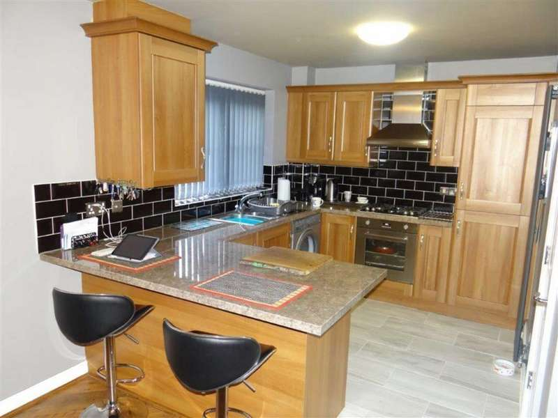 2 Bedrooms Flat for sale in Walmesley Court, Leigh