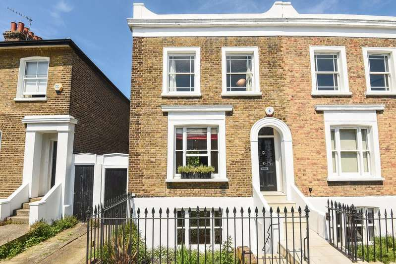 3 Bedrooms End Of Terrace House for sale in Guildford Grove London SE10