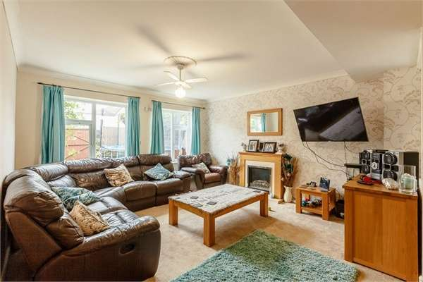 5 Bedrooms Detached House for sale in Woodnesborough Road, Sandwich, Kent