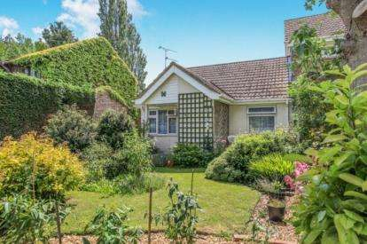 2 Bedrooms Bungalow for sale in Bottels Road, Warboys, Huntingdon, Cambridgeshire