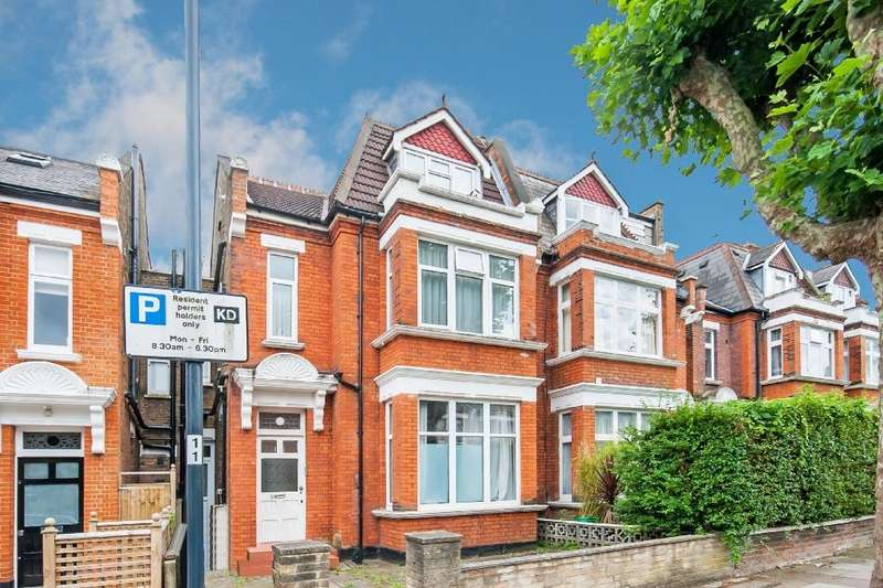 2 Bedrooms Flat for sale in Dyne Road