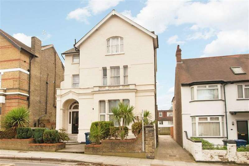 1 Bedroom Flat for sale in Acacia Road, London