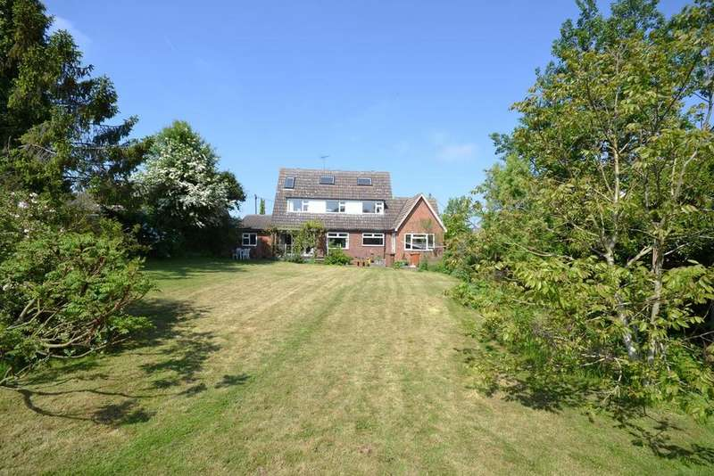 4 Bedrooms Chalet House for sale in Stonehill Road, Roxwell, Chelmsford, Essex, CM1