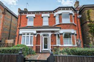 6 Bedrooms Detached House for sale in Newlands Park, London