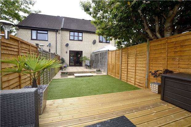 2 Bedrooms Terraced House for sale in Delmont Grove, Uplands, Gloucestershire, GL5 1UN
