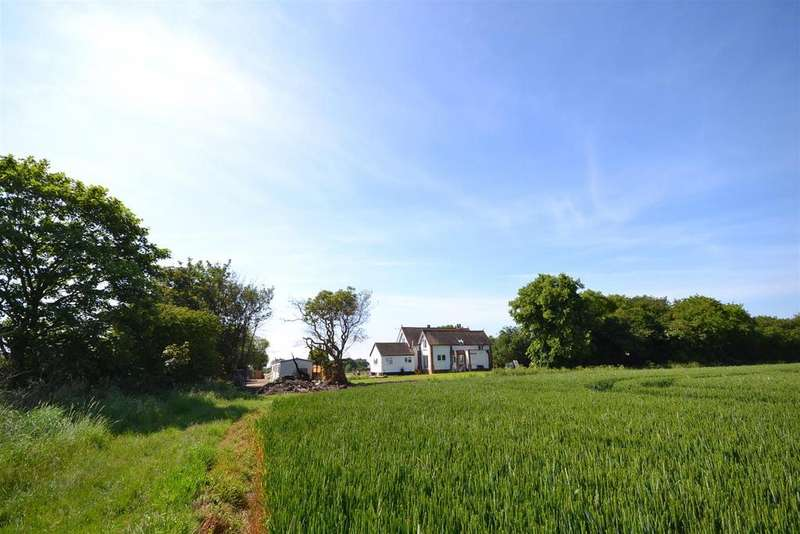 4 Bedrooms Detached House for sale in Scotts Hill, Southminster