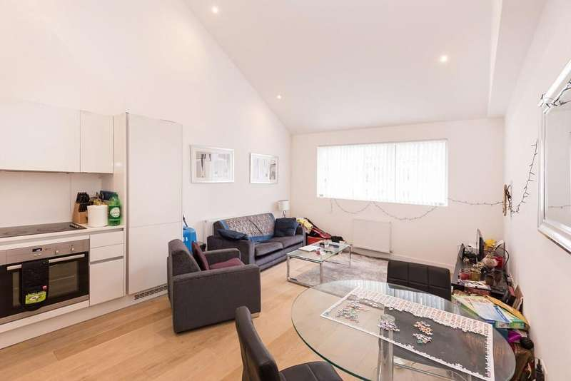 1 Bedroom Apartment Flat for sale in Clyde Square, Sail Loft Court, London