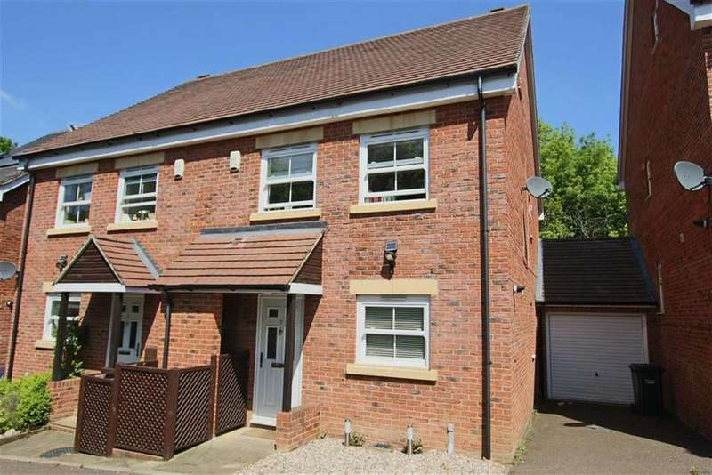 4 Bedrooms Semi Detached House for sale in Katherine Close, Mill Hill, London