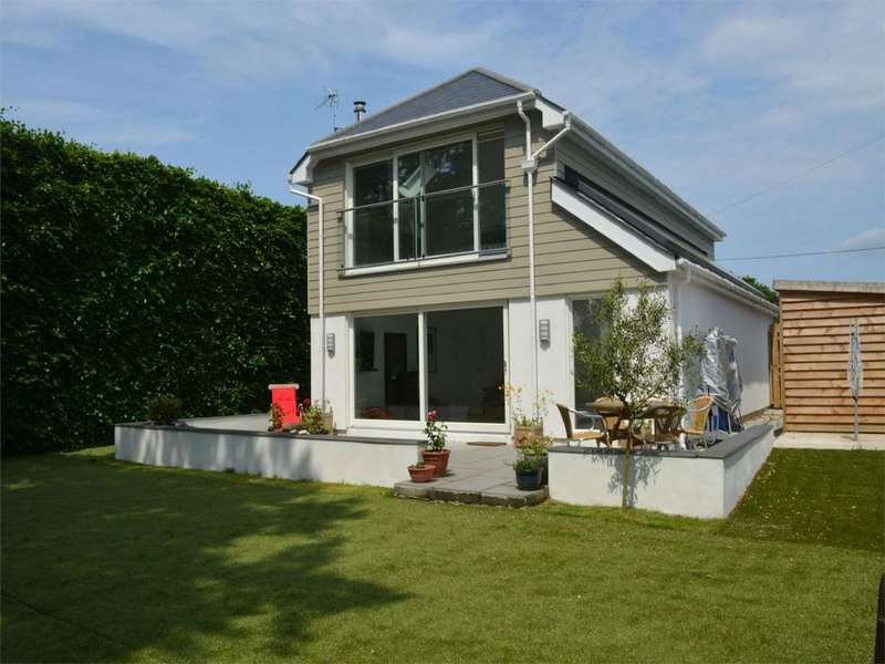3 Bedrooms Detached House for sale in Trewinnard Road, Perranwell Station, TRURO, Cornwall