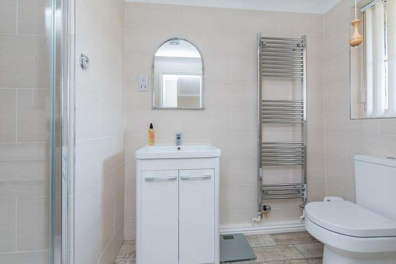 3 Bedrooms Detached Bungalow for sale in Church Walk, Sibsey, Boston, PE22