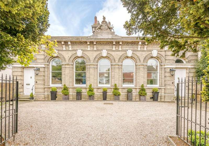 4 Bedrooms Link Detached House for sale in London Road, Maldon, Essex, CM9