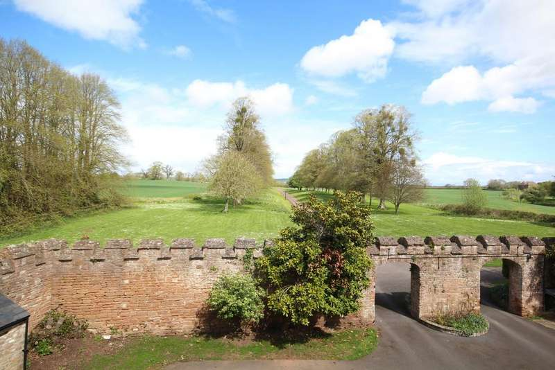 2 Bedrooms Flat for sale in Sutton Court, Stowey