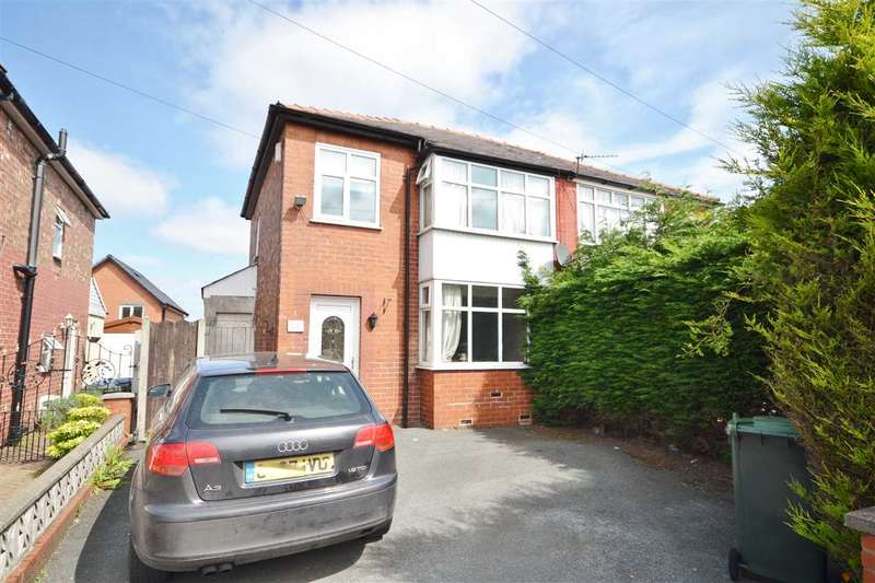 3 Bedrooms Semi Detached House for sale in Pembroke Place, Chorley