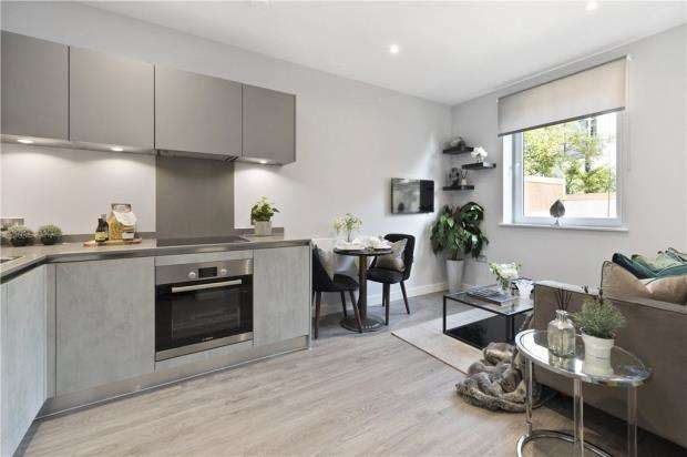 2 Bedrooms Apartment Flat for sale in Grenville Place, Bracknell