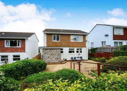 4 Bedrooms Detached House for sale in Teignmouth, Devon