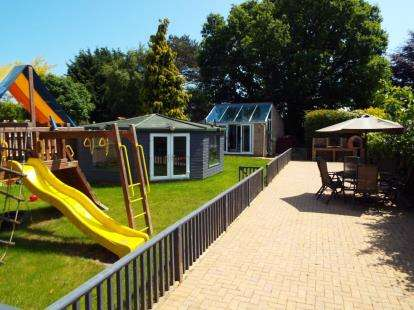4 Bedrooms Detached House for sale in Hellesdon, Norwich, Norfolk