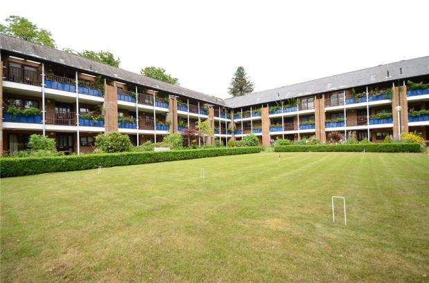 1 Bedroom Retirement Property for sale in Emmbrook Court, Reading, Berkshire
