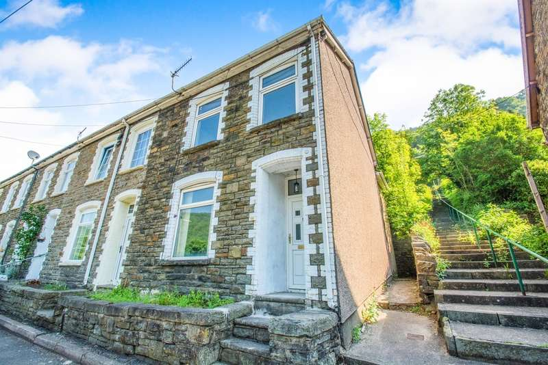 3 Bedrooms Terraced House for sale in Commercial Road, Abercarn, Newport