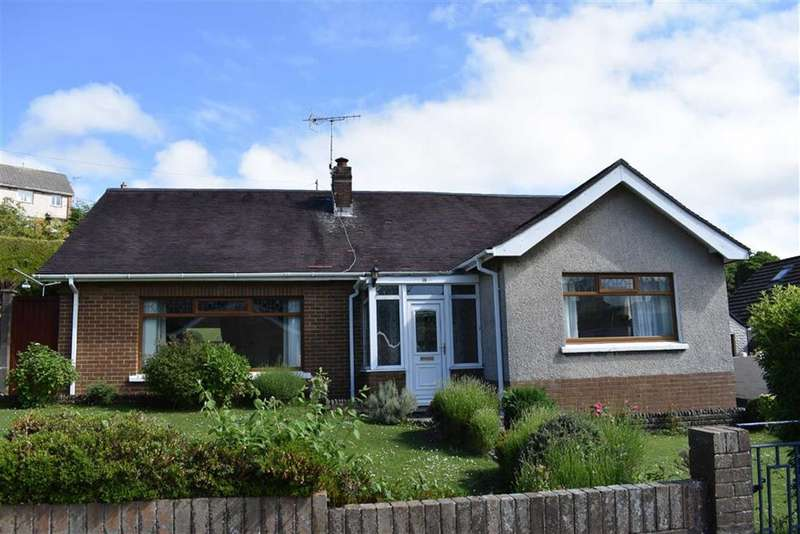 3 Bedrooms Detached Bungalow for sale in Aelybryn Drive, Felinfoel, Llanelli