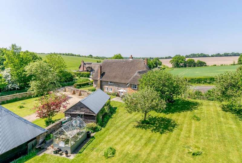4 Bedrooms Detached House for sale in Newtown, Hungerford, Berkshire