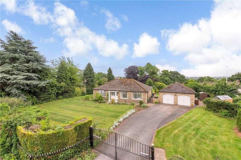 3 Bedrooms Detached Bungalow for sale in Manor Gardens, Thorner, Leeds, West Yorkshire