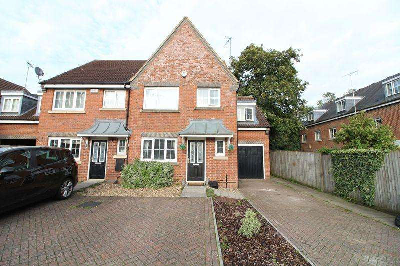 3 Bedrooms End Of Terrace House for sale in A Must View Luxury Residence, Moore Crescent, Houghton