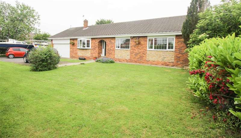 3 Bedrooms Bungalow for sale in Meadow View, South Farm, Cramlington