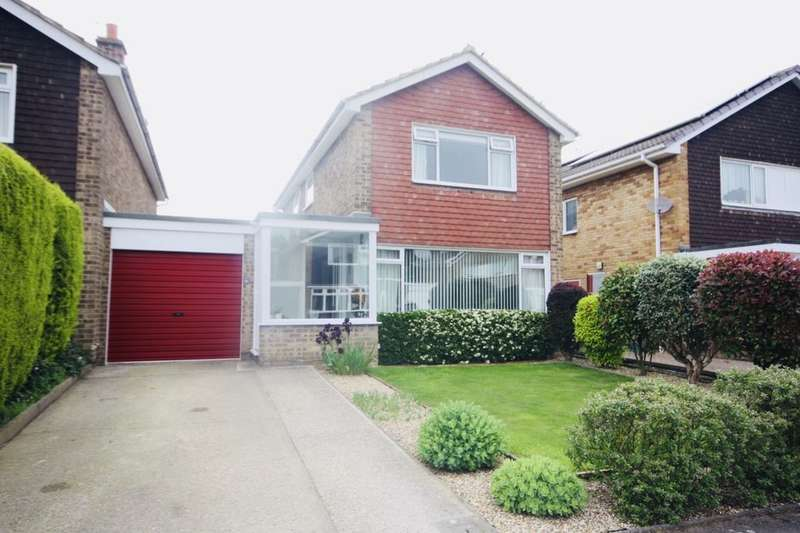 3 Bedrooms Detached House for sale in Kingfisher Drive, Guisborough, TS14