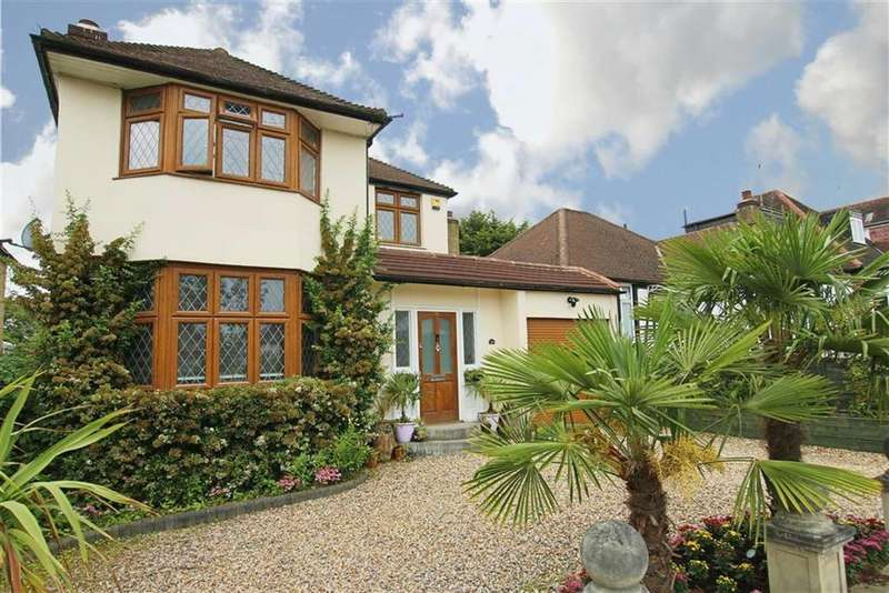 4 Bedrooms Detached House for sale in Featherstone Road, Mill Hill, London