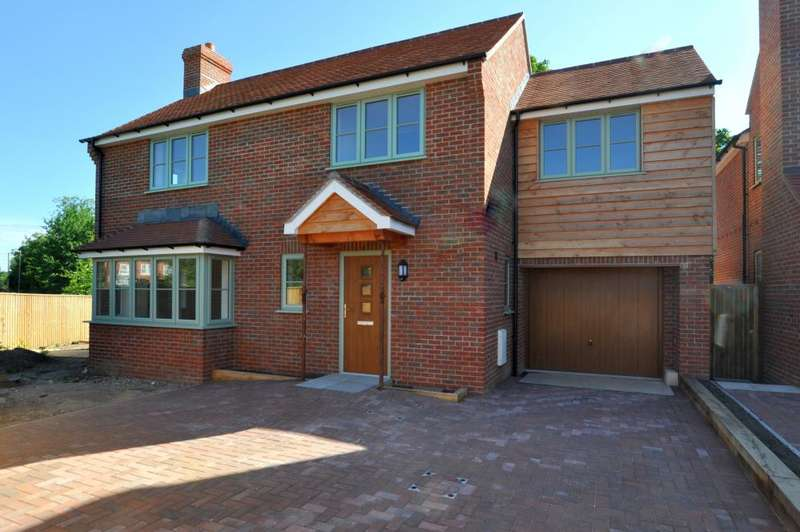 4 Bedrooms Detached House for sale in Edmondsham, Verwood, BH31 7PA