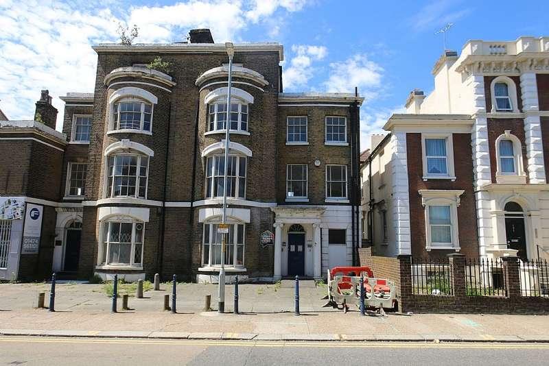 6 Bedrooms Commercial Property for sale in Parrock Street, Gravesend, Kent, DA12 1EW